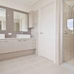 Modern bathroom - Pebble Beach